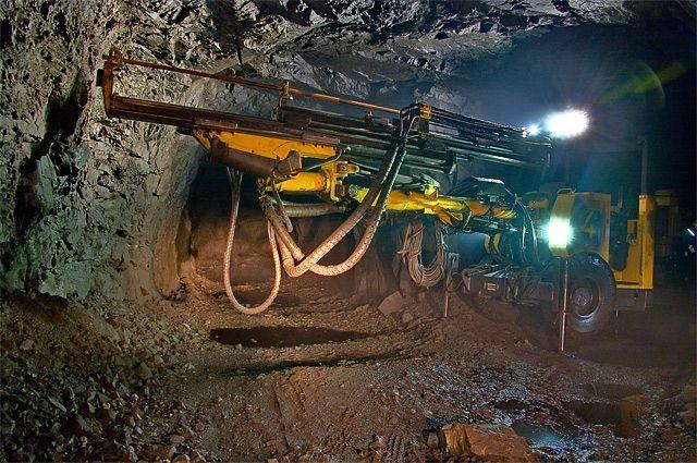 С 1976 – 1986 год подземный рудник перевели на самоходное буровое оборудование.