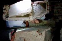 4-летний новотройчанин всю ночь провел, зажатым между плитами на стройке.