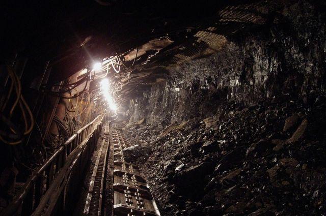 В Кузбассе приостановили работу шахты в связи с угрозой взрыва.