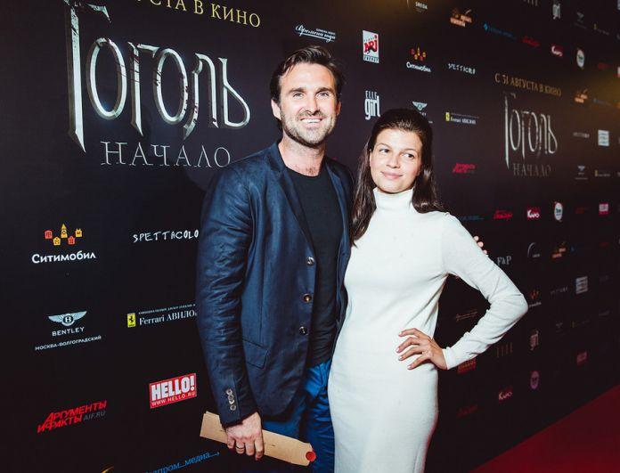Актриса Агния Кузнецова и её супруг танцор Максим Петров.