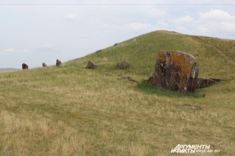 Древние захоронения в Долине Царей.
