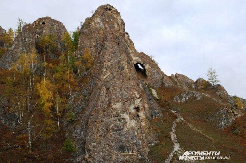 Дорога к пещере Трехглазке.
