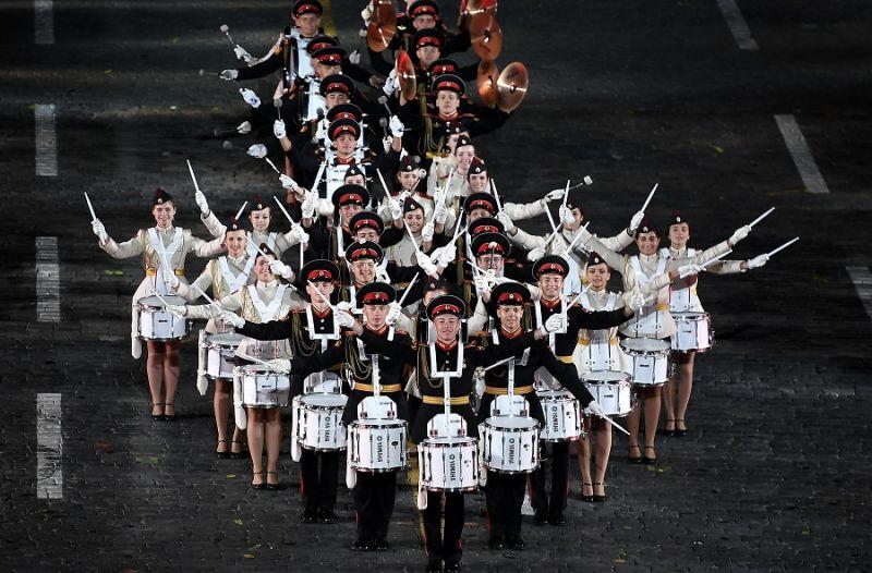 Музыканты из оркестра суворовцев Московского военно-музыкального училища им. генерал-лейтенанта В. М. Халилова.
