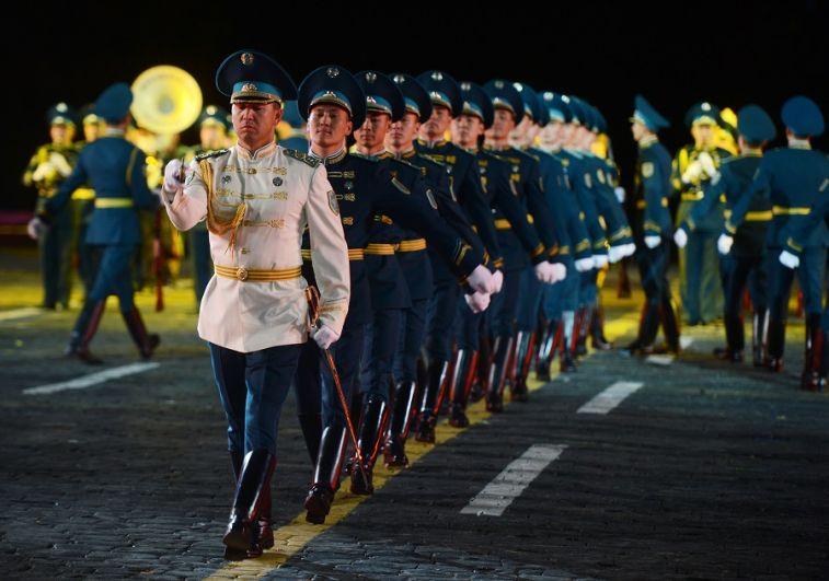 Президентский оркестр и рота Почётного караула Казахстана.