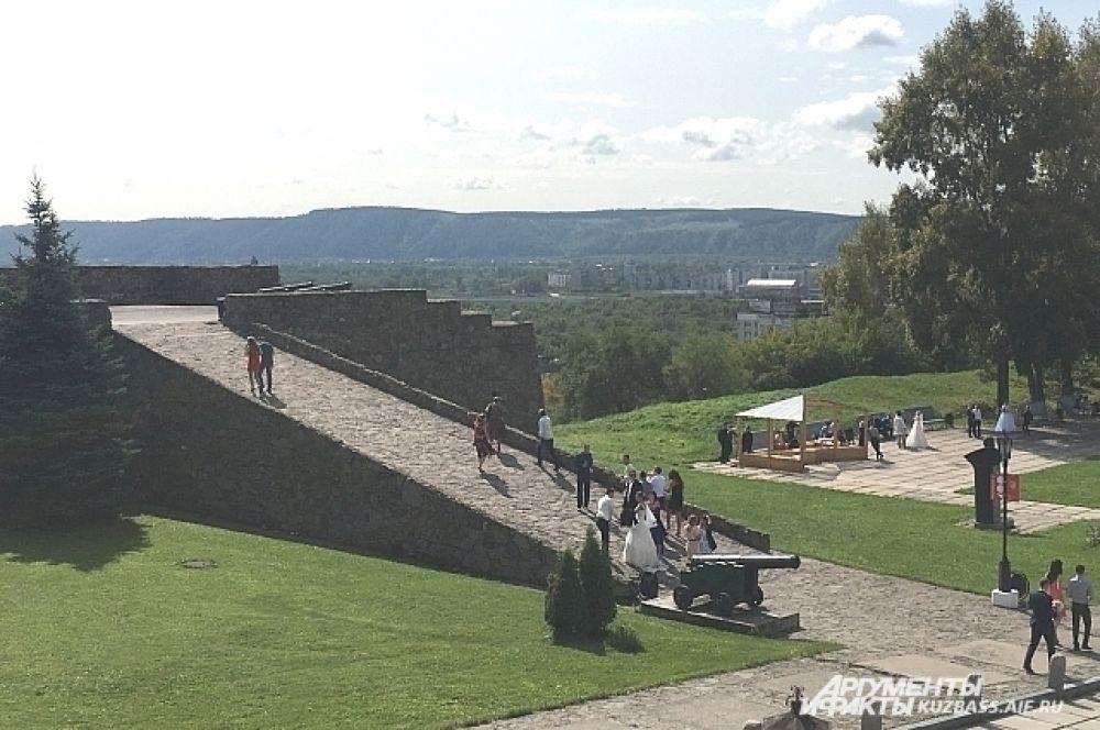 Территория музея занимает 21 гектар с отдельными зонами отдыха.