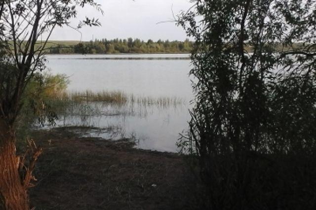 Тюменцы пошли купаться и обнаружили тело утонувшего мужчины