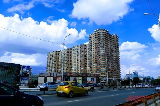 Сергей Степашин вручил курганцам ключи отновых квартир
