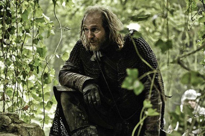 Торос. Красный жрец родом из Мира отправился на Север вместе с Джоном Сноу, чтобы поймать одного из Белых Ходоков, но обратно уже не вернулся.