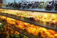 Партии товара предназначались для реализации в Новосибирске и Красноярске. Фрукты и овощи возвращены отправителям.