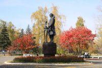 Памятник Ползунову в Барнауле