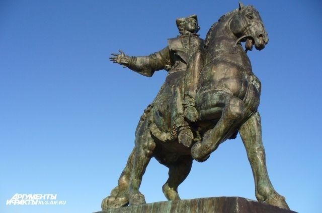 Федеральные власти выделят деньги на ремонт памятника Елизавете в Балтийске.