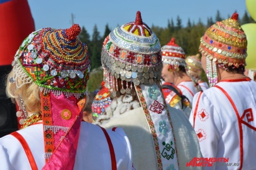 Национальный женский головной убор чувашей.