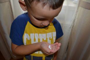 Лекарство малыши взяли из сумки, оставленной воспитателем без присмотра.