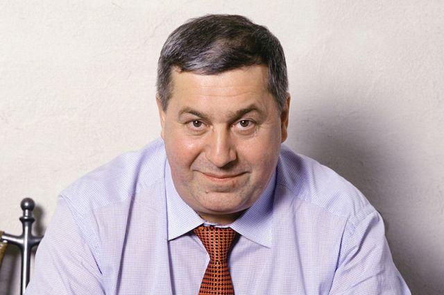 Михаил Гуцериев специализируется на недвижимости, нефти и финансах.