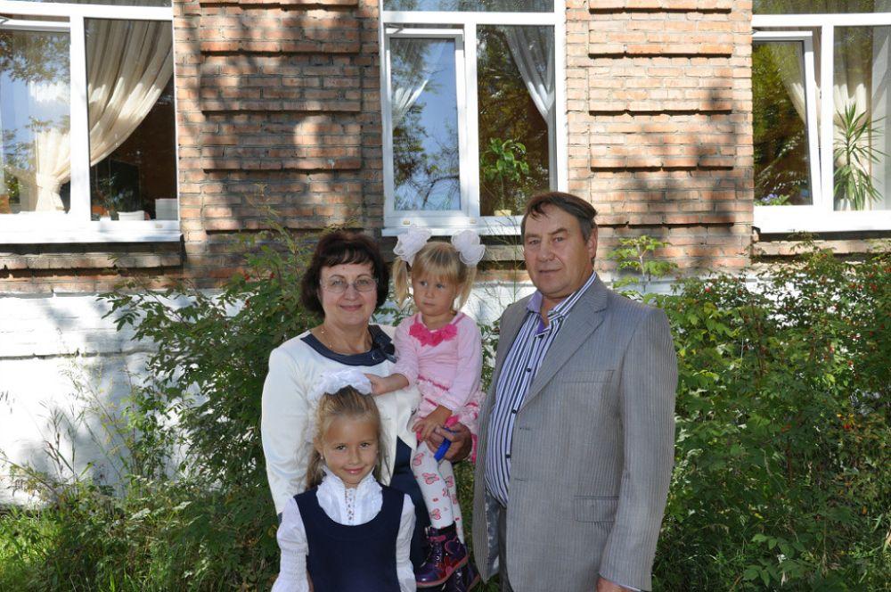 Фото семьи Большедворских.