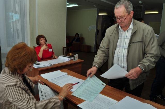 114 омичей проголосовали в первый день досрочных выборов.