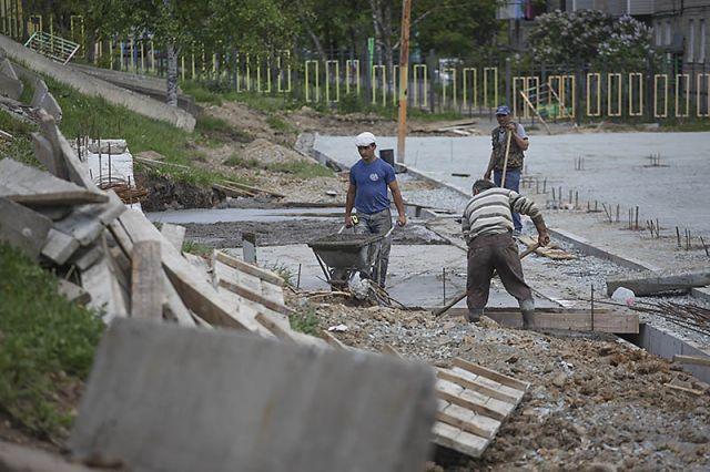 Универсальные спортплощадки строят в городах и районах края