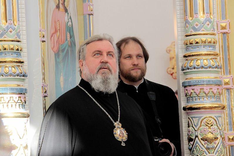 Иконостасов, подобных ярцевскому, в России всего два.