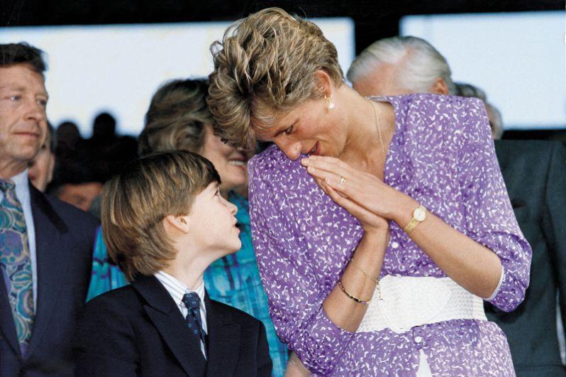 Диана с сыном Уильямом, 1995 год.