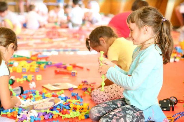 Дети в Нижневартовске сядут за парты, чтобы поиграть с конструкторами