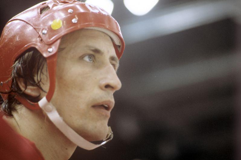 Александр Якушев (нападающий). 8 матчей, 11 очков (7+4). Лучший игрок Суперсерии. Президент ХК «Легенды хоккея». Член Зала славы IIHF.