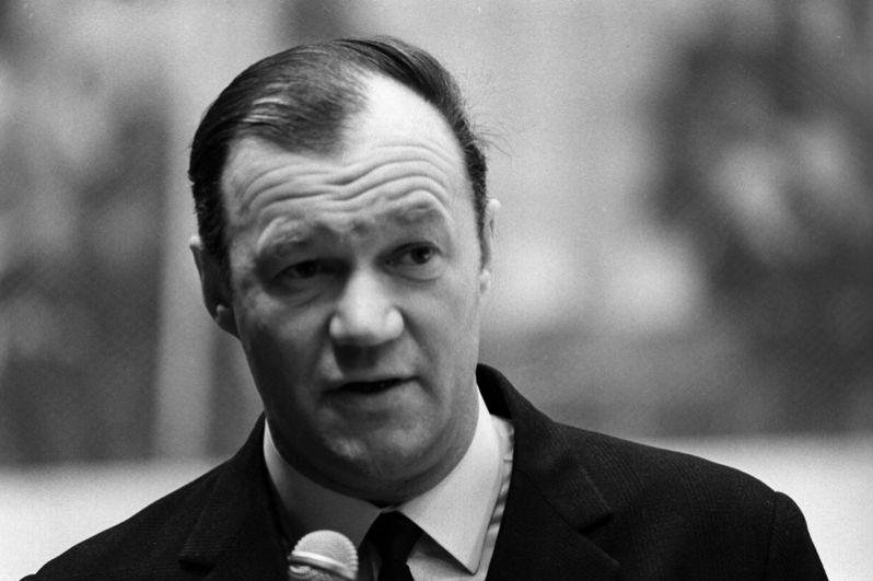 Всеволод Бобров (тренер). Член Зала славы Международной федерации хоккея (IIHF). Скончался 1 июля 1979 года.