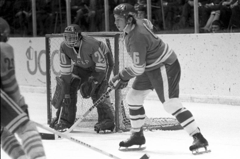 Валерий Васильев (защитник). Принял участие в 5 матчах, набрал 3 очка за результативные действия (1 гол + 2 передачи). Член Зала славы IIHF. Скончался 19 апреля 2012 года.