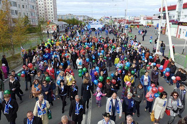 Три тысячи надымчан вышли на праздничный парад