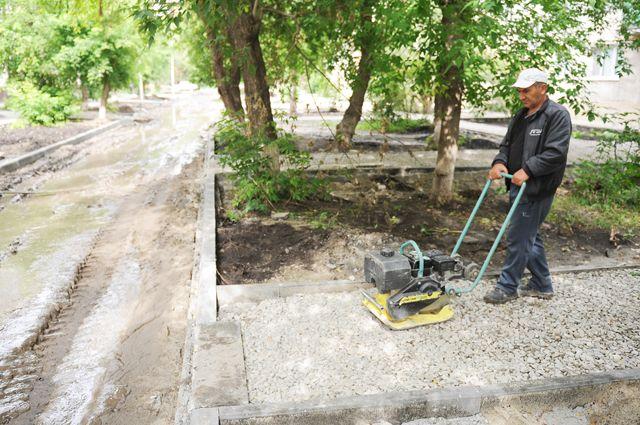 Едва ли не каждый двор в областном центре нуждается в ремонте.
