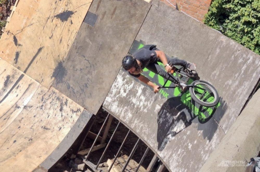 Езда по стене, или волрайд на «языке» BMX.