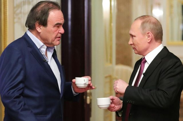 Книги Оливера Стоуна оПутине начнут торговать в РФ