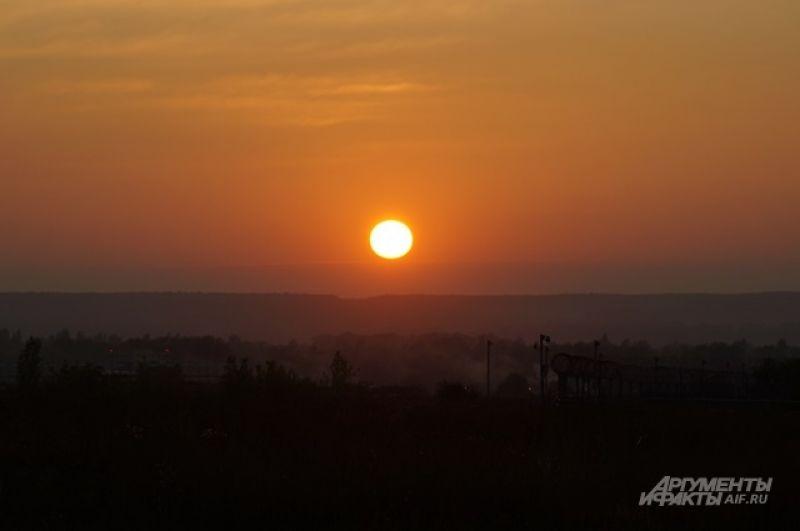 Вечерний рейс Пенза встретила красивым закатом.