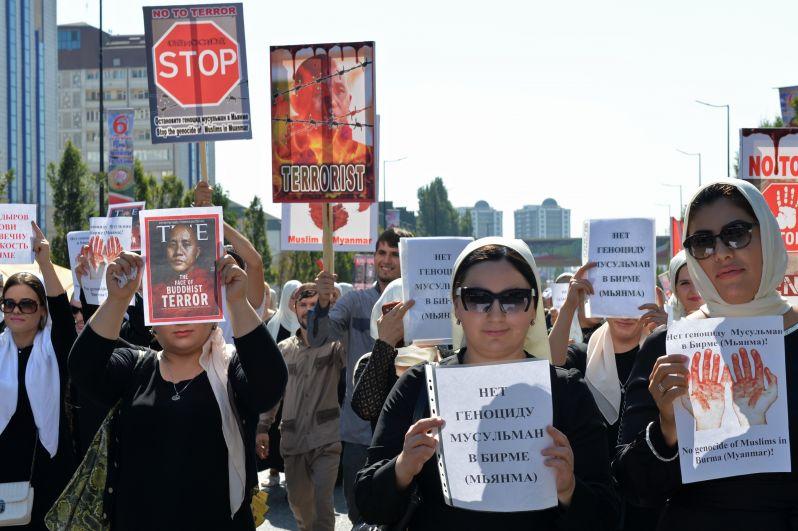 Рамзан Кадыров обратился к международном сообществу с требованием наказания для тех, кто виновен в его организации и тех, кто не оказал помощи мьянмарским мусульманам.