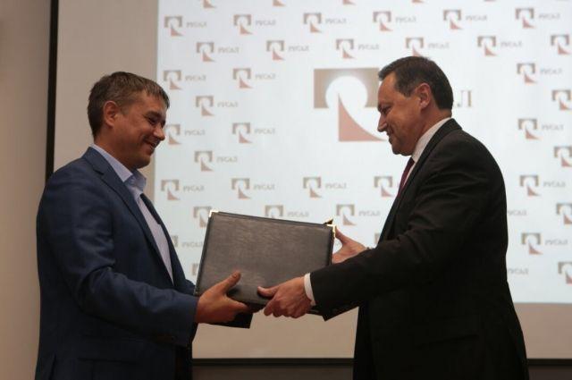 В рамках соглашения РУСАЛ продолжит модернизацию, основанную на применении энергосберегающих и экологически безопасных технологий.
