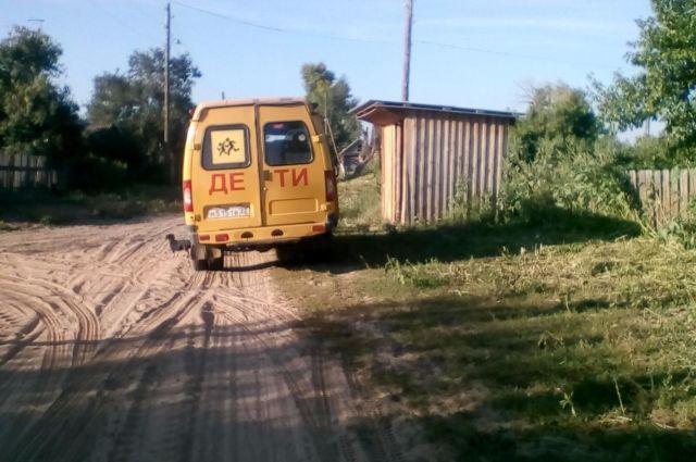 Школьный автобус в с. Кормиха. Фото местных жителей