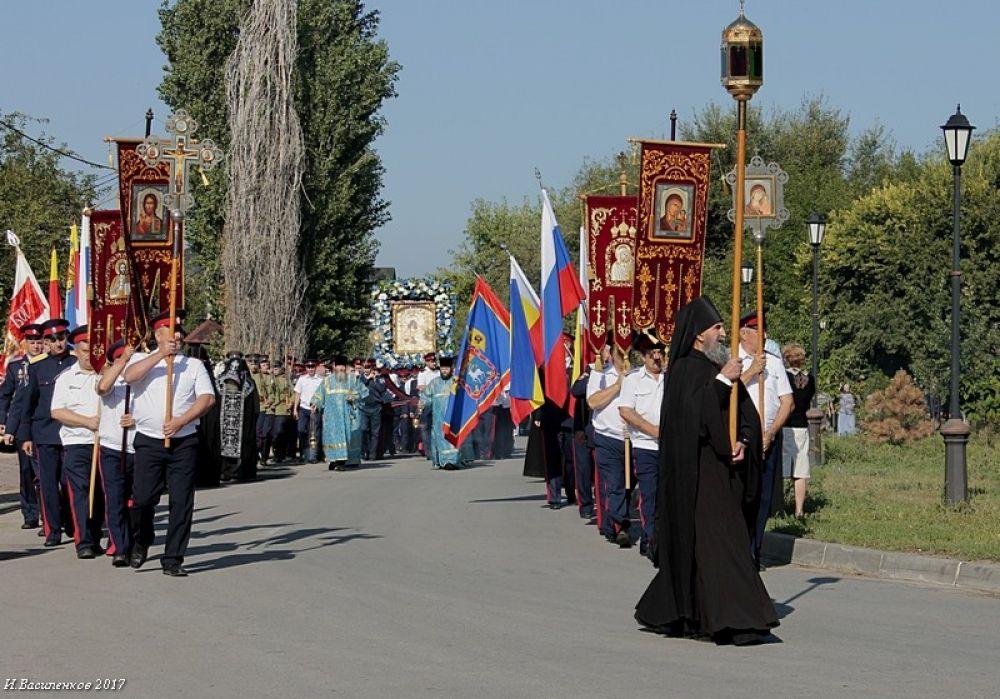 В станице Старочеркасской прошли торжества, посвященные Дню Донской иконы Божией матери.