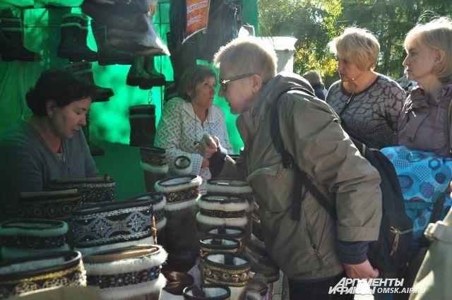 Омичей пригласят посмотреть и купить ярмарку-продажу свежего урожая.