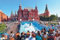 Одна из площадок «Москва ставит рекорды» - «искусственная волна» для флоурайдинга на Манежной площади. Увидеть её можно уже сегодня.