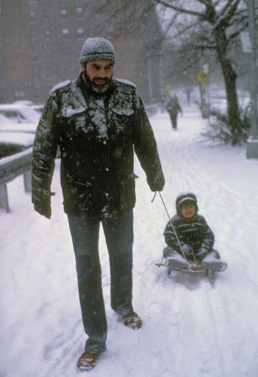 Обнародовано мало снимков Довлатова с сыном Колей.