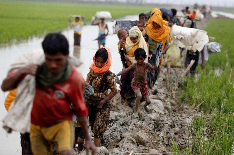 Беженцы народа рохинджа на границе Мьянмы и Бангладеш.