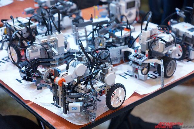 Создавая роботов, дети не только играют, но и изучают несколько наук разом.