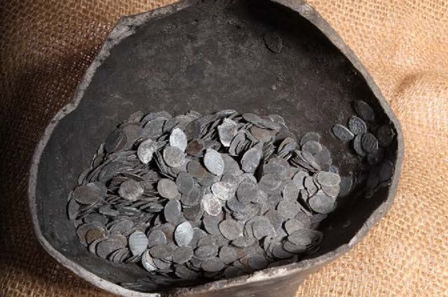 Клад серебряных монет XV – XVII вв.
