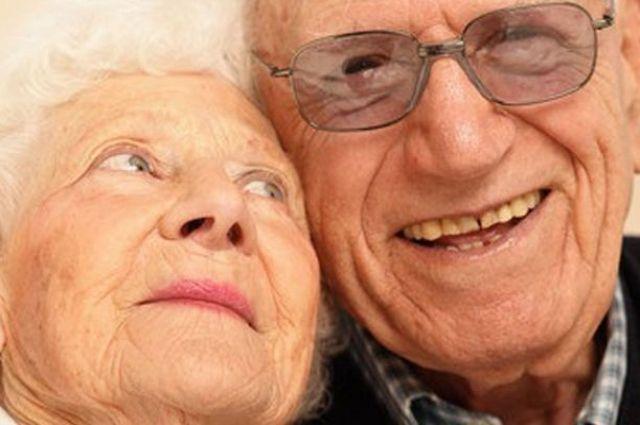 ВМинсоцполитики поведали, как пожилые люди будут получать выплаты после реформы