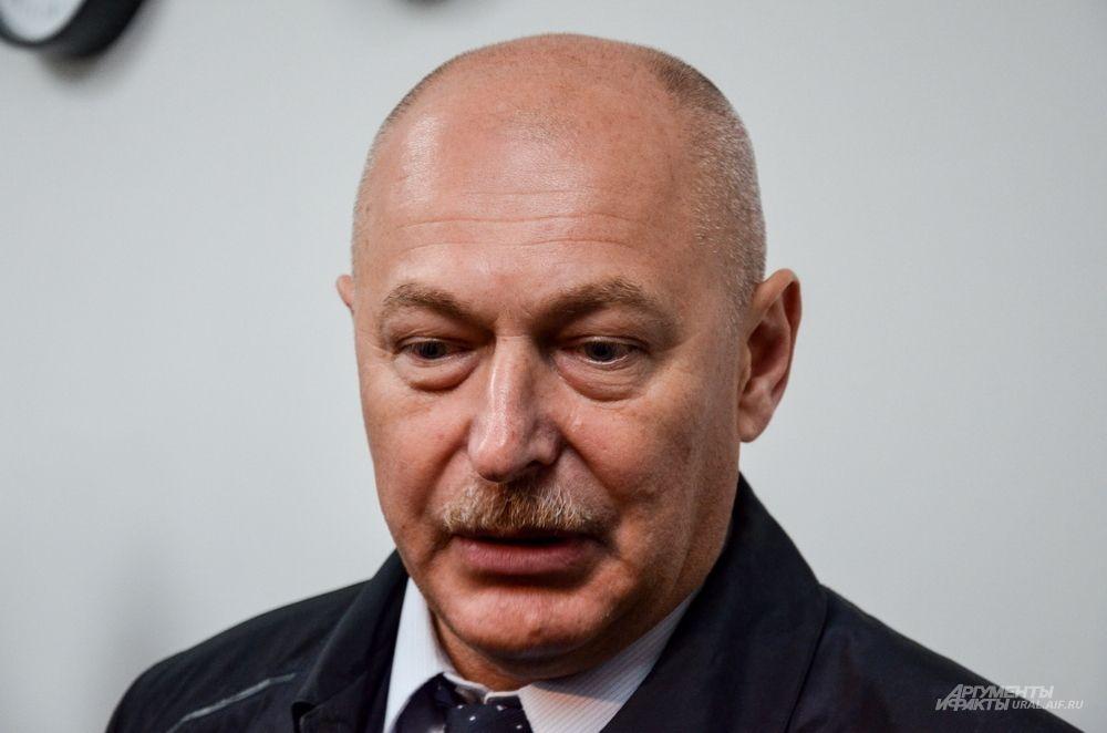 Заместитель министра спорта РФ Павел Новиков: ««Безусловно, это один из уникальных комплексов в России, который строится быстрыми темпами. Оказалось, что еще даже не полностью освоены федеральные деньги».