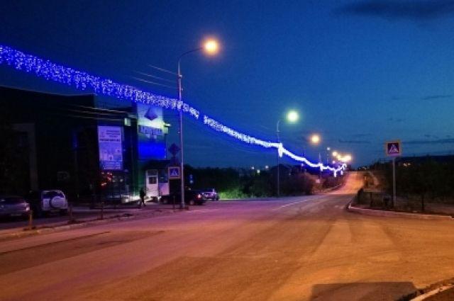В Лабытнанги центральные улицы города украшены светодиодными гирляндами