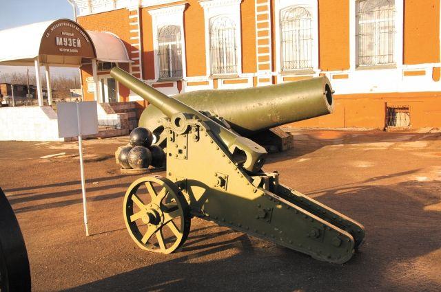 Литая чугунная пушка, которая стоит в музее под открытым небом в Мотовилихе, - самая большая в мире.