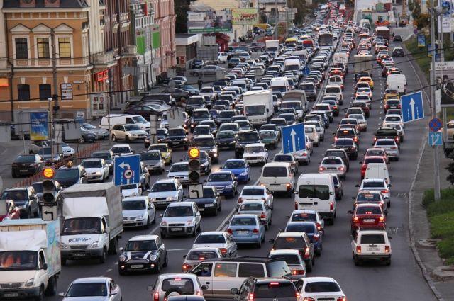 Активисты с еврономерами устроили транспортный коллапс в Киеве
