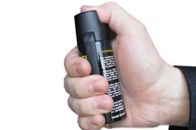 Злоумышленник распилил газ подростку в лицо из-за отказа дать ему телефон.