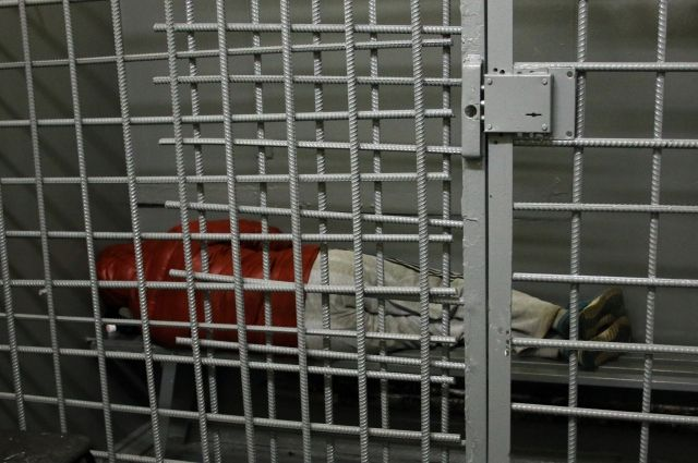 В Новом Уренгое задержан астраханский развратник