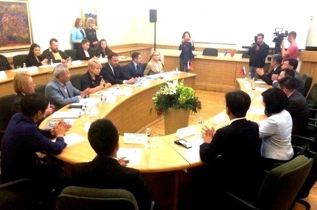 С делегацией КНР встретились представители телекомпании и мэрии Иркутска.